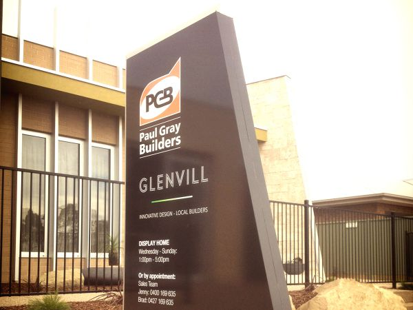 Freestanding Signs - Paul Gray Builders Bendigo - SignMob (Signwriters Central Victoria)